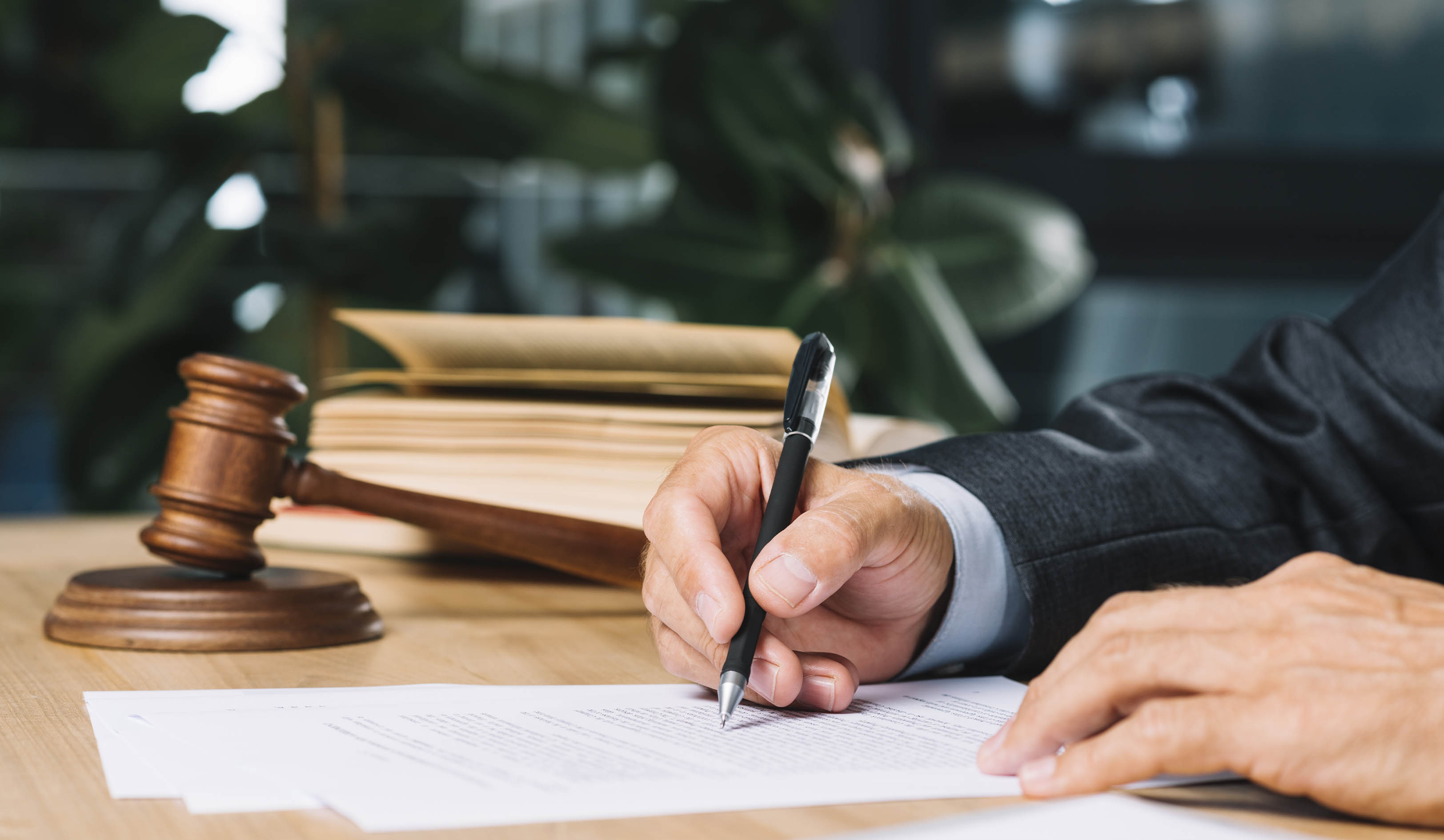 The viewpoint of the Supreme Court on the notarization of an LLC's resolutions has been confirmed